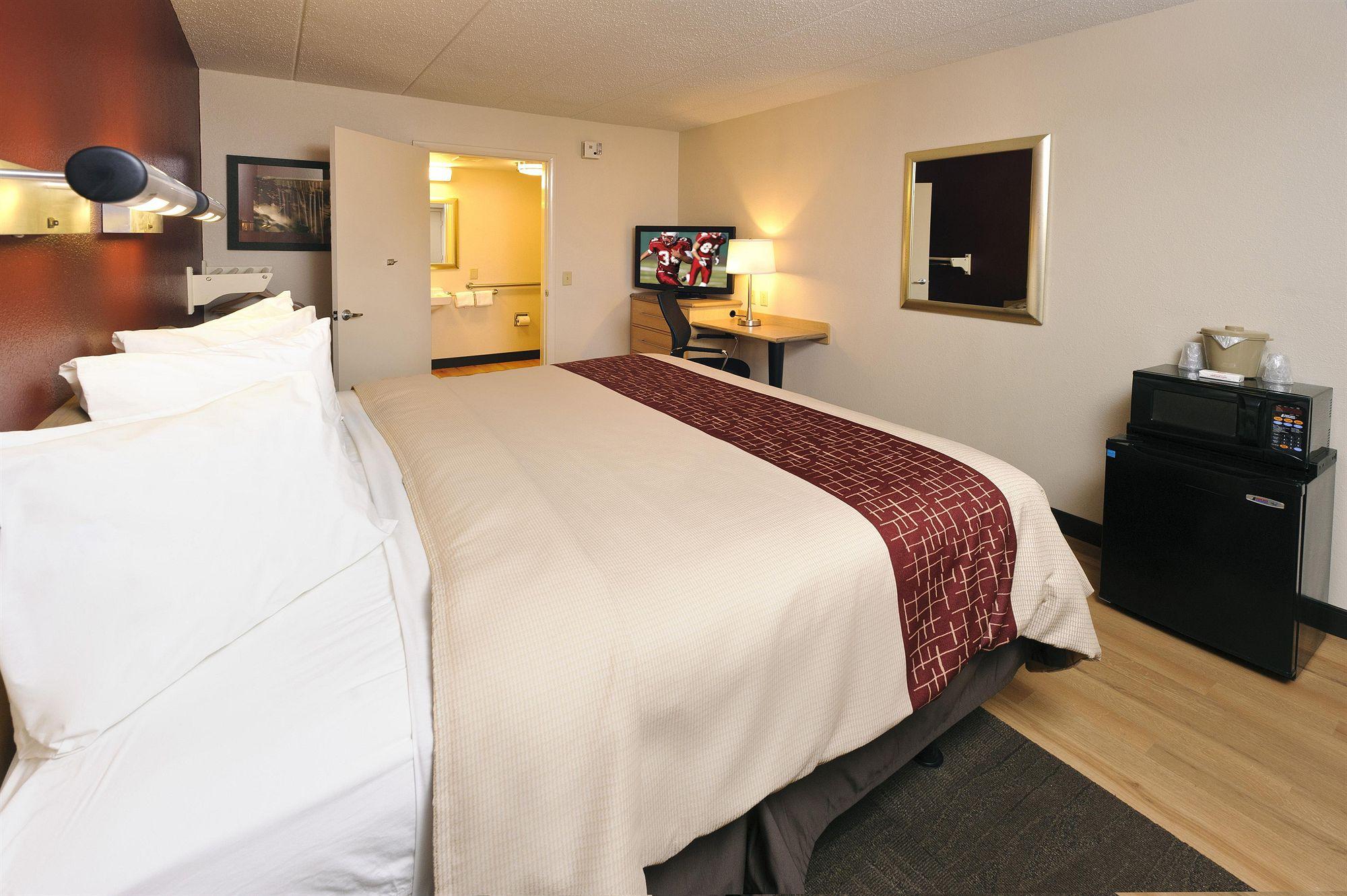 Red Roof Inn Charleston - Kanawha City in Kanawha City, WV