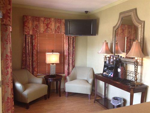 Home-Towne Suites Auburn