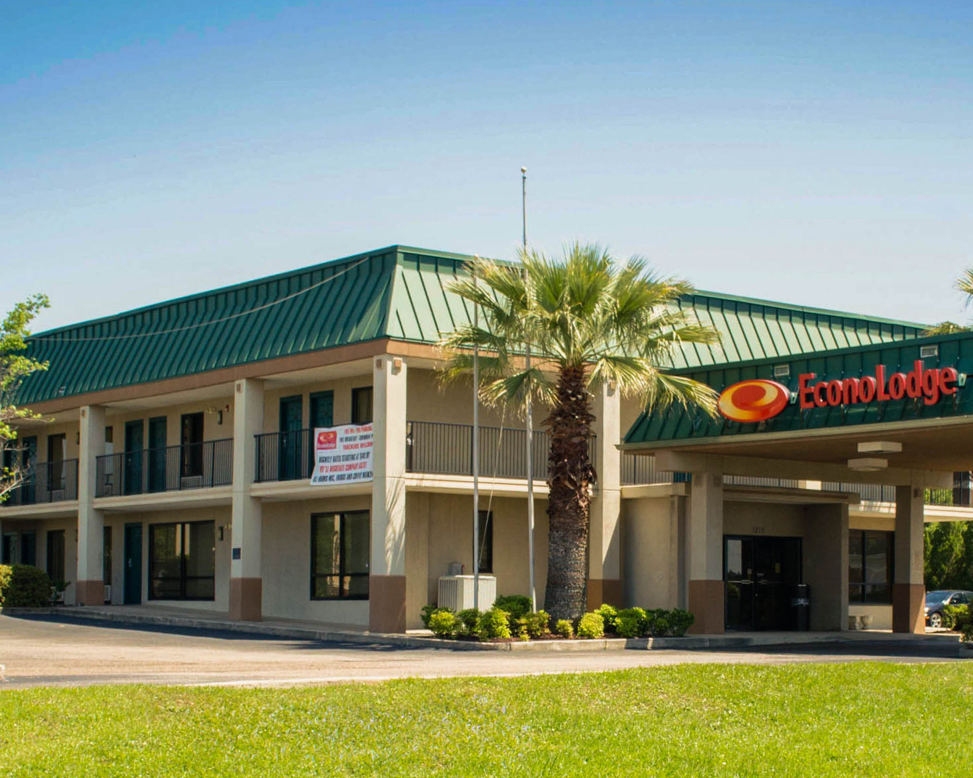 Econolodge in Saraland, AL