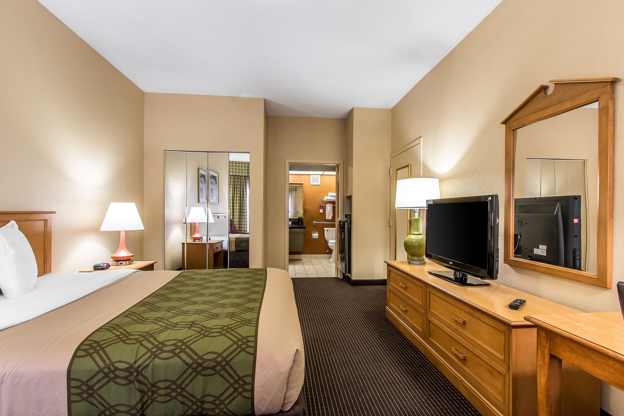 Econo Lodge Inn & Suites Foley in Foley, AL