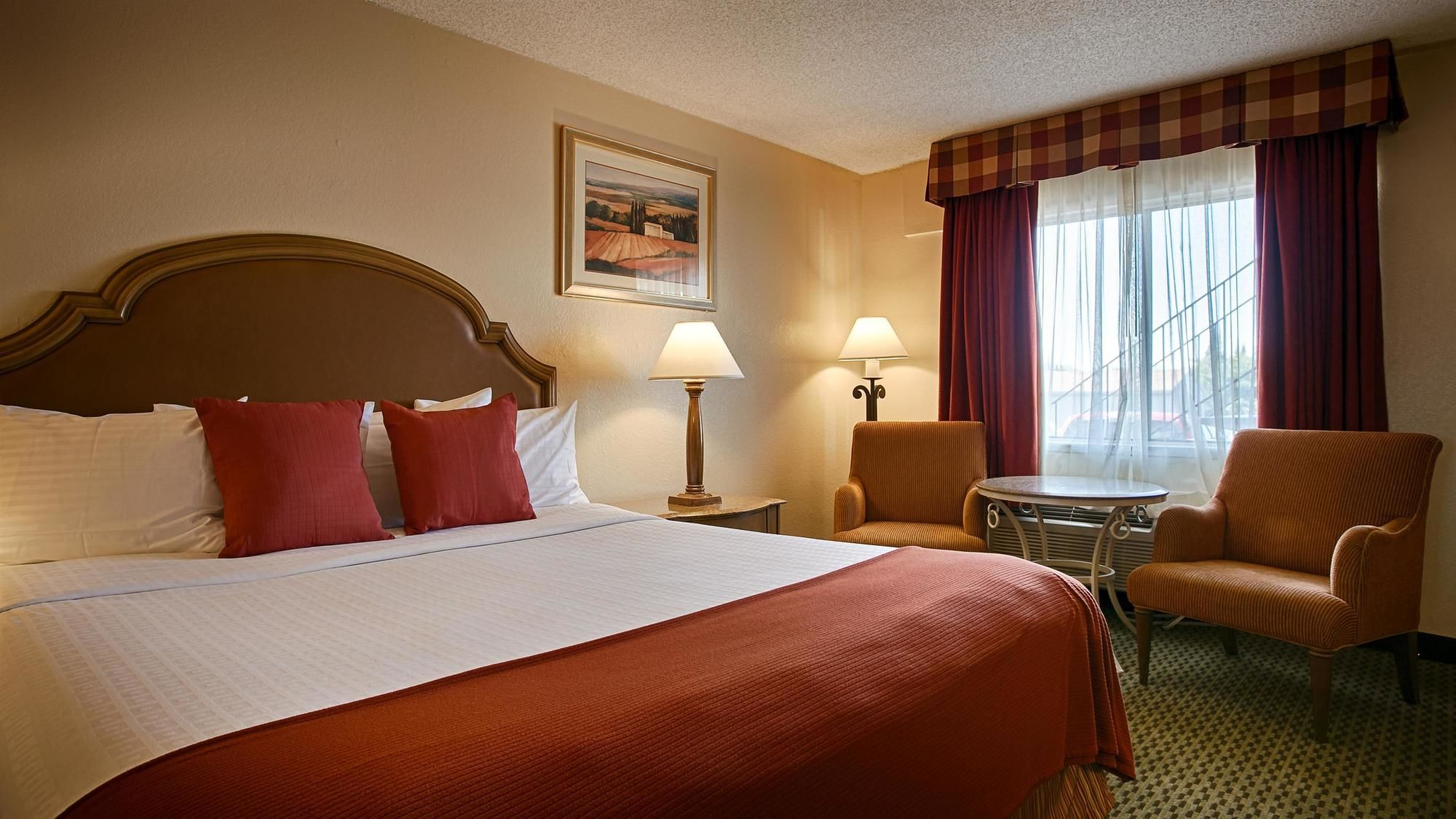 Roseville Hotel Coupons for Roseville, California - FreeHotelCoupons.com