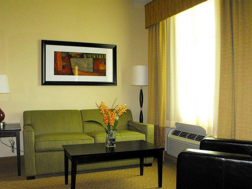 Hampton Suites Miami South Homestead in Homestead, FL