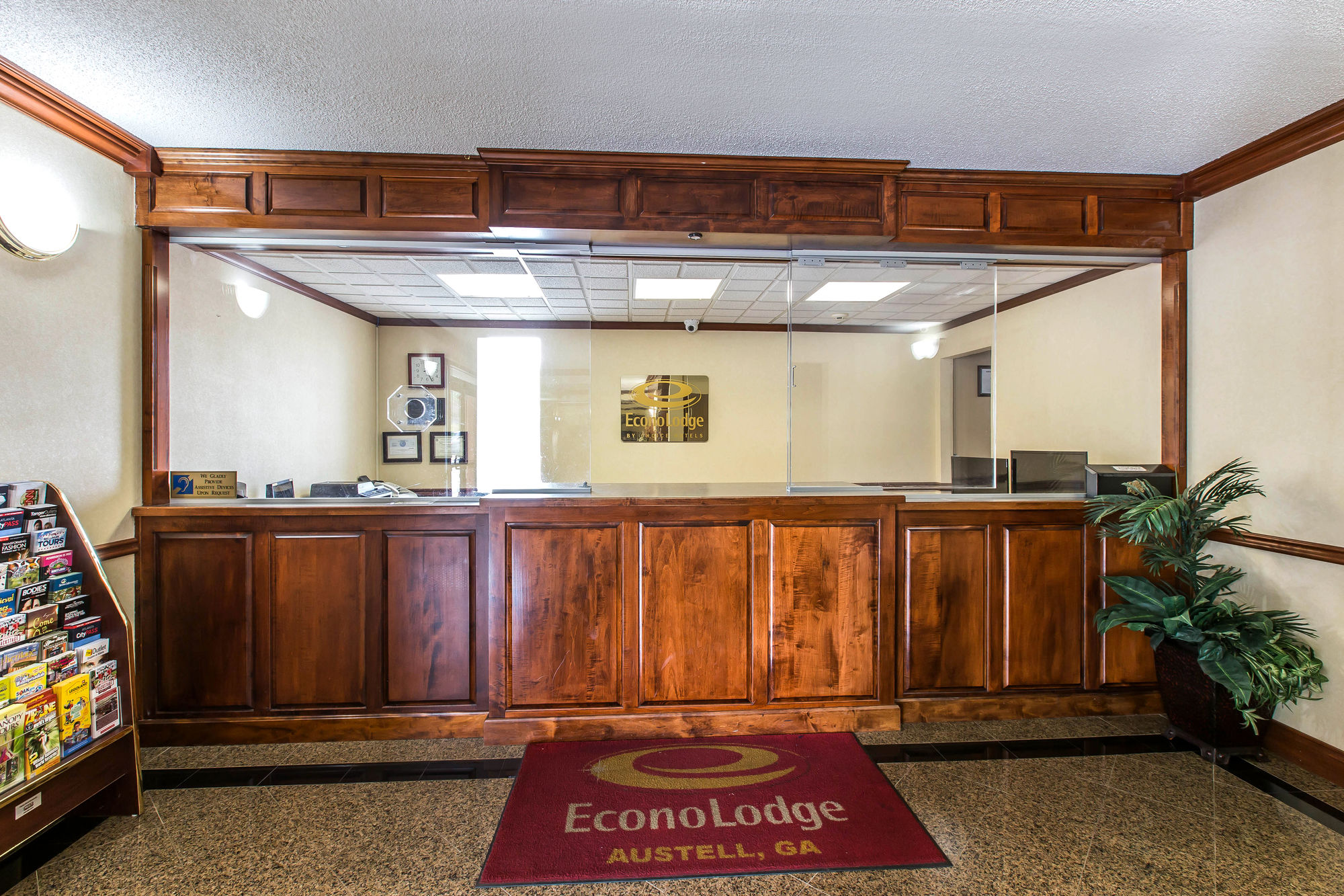 Econo Lodge At Six Flags in Austell, GA