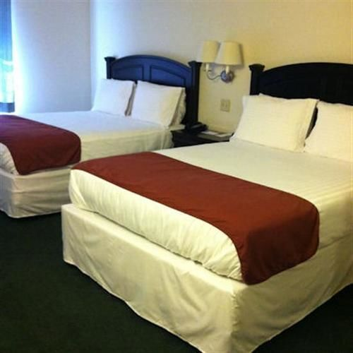 Crimson Inn