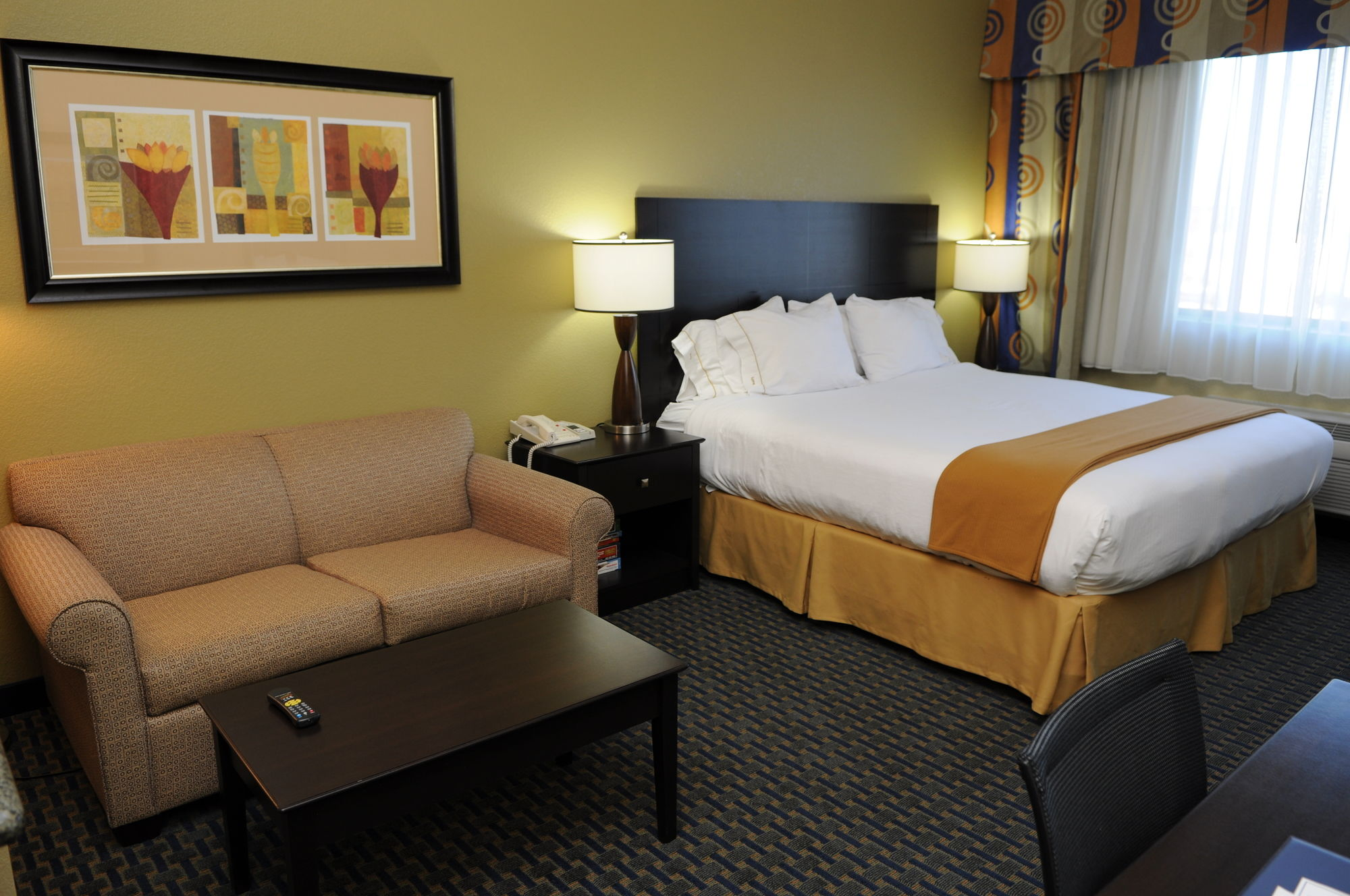 Phoenix Hotel Coupons for Phoenix, Arizona - FreeHotelCoupons.com