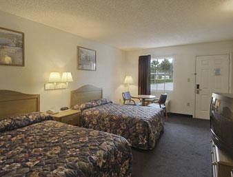 Travelodge Suites Macclenny in MacClenny, FL