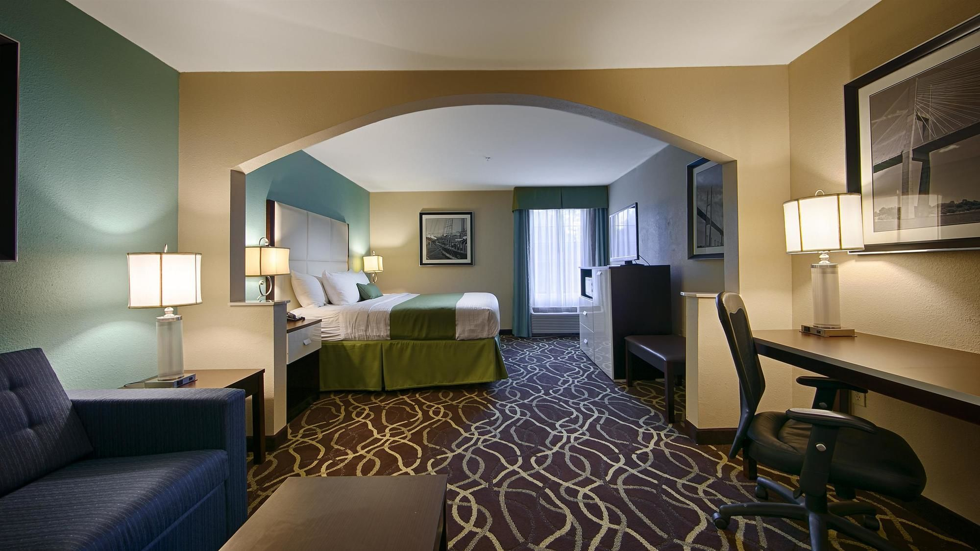 Best Western Plus Savannah Airport Inn & Suites in Pooler, GA