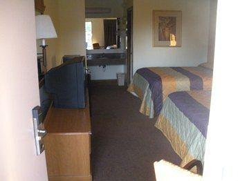 Kings Inn Motel in Lenoir City, TN