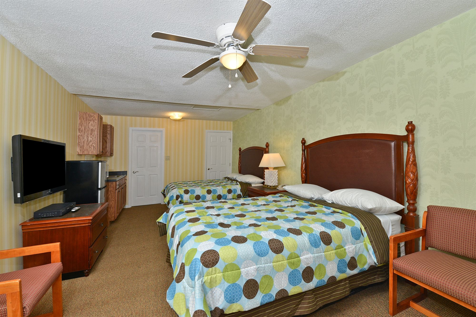 American Inn and Suites in Garden City, GA