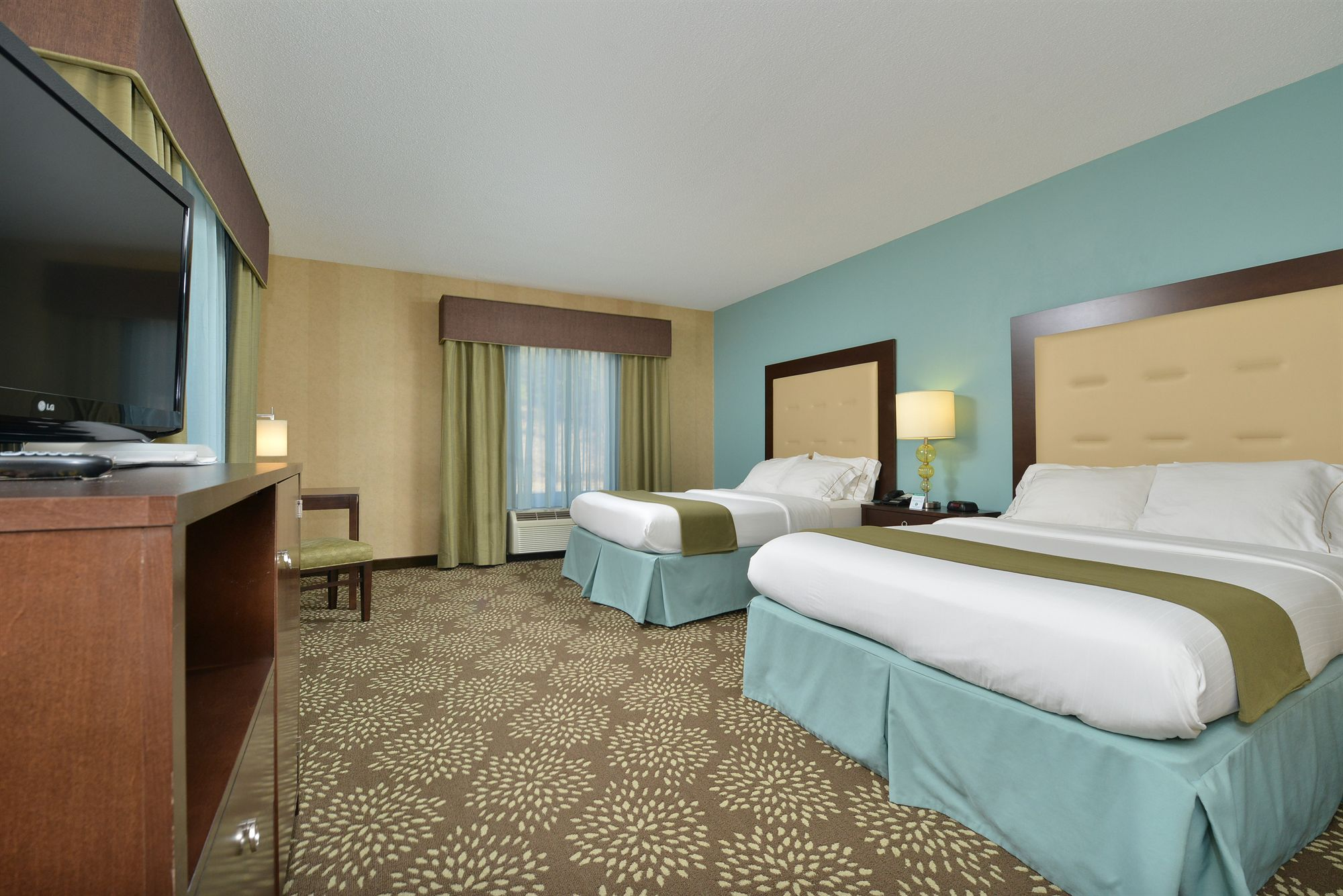 Holiday Inn Express Hotel & Stes Dillsboro-Western Carolina