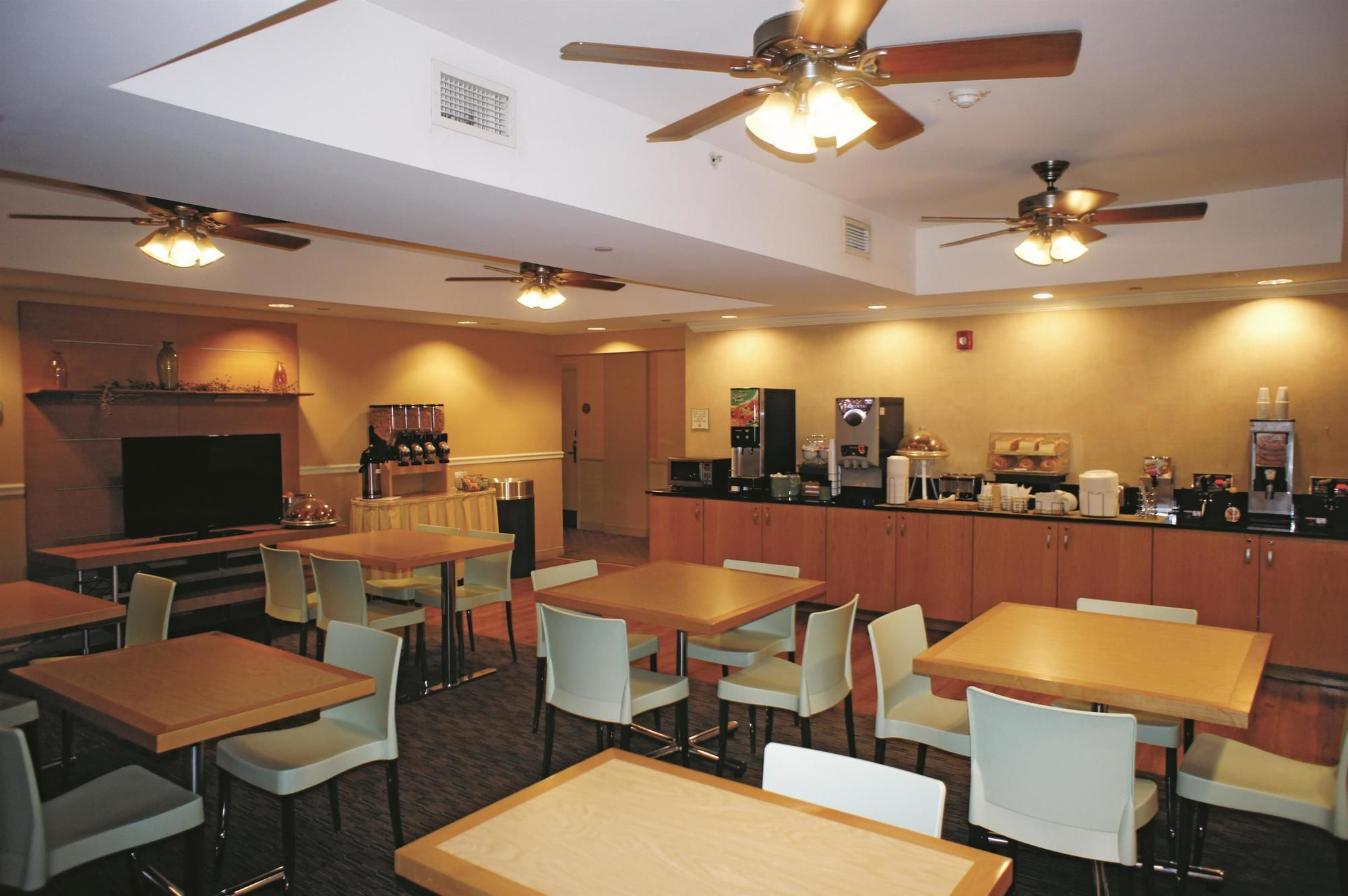 Sarasota Hotel Coupons for Sarasota, Florida - FreeHotelCoupons.com