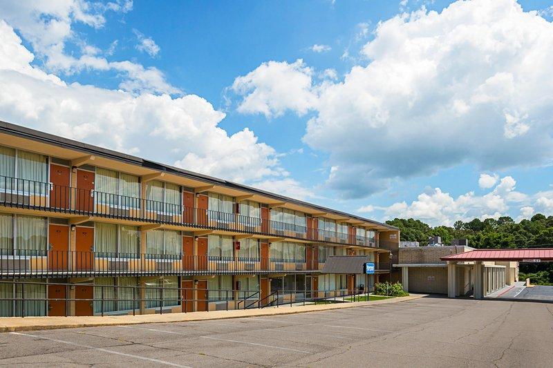 Rodeway Inn & Suites in Tupelo, MS