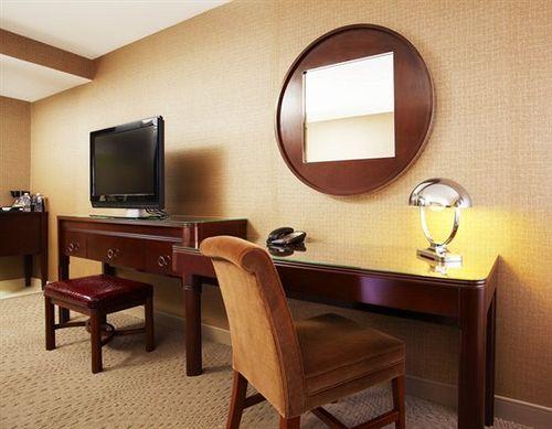 Sheraton Lisle Hotel in Lisle, IL