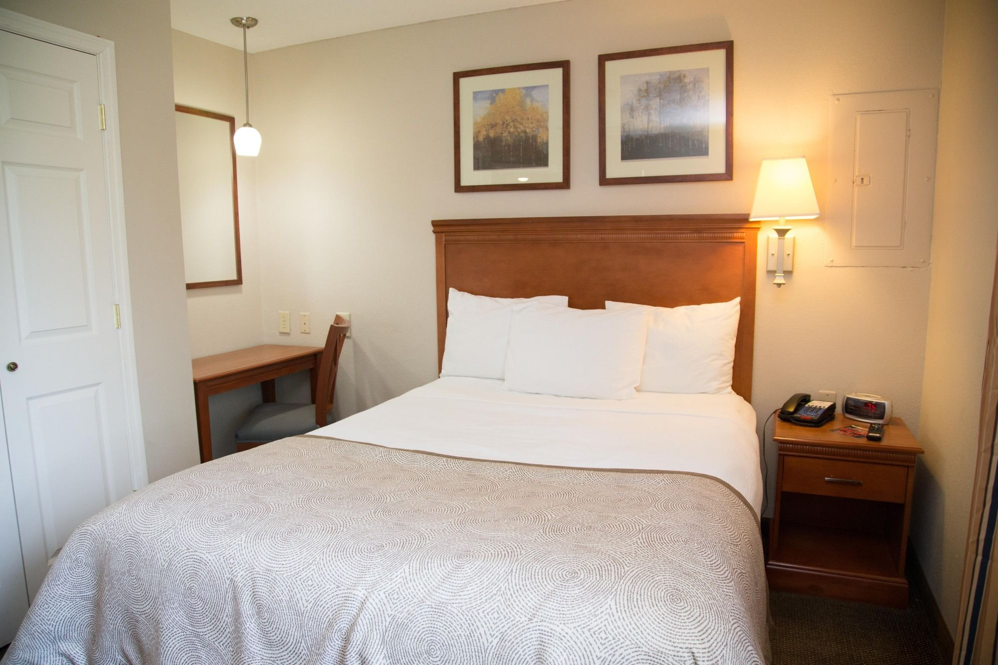 Candlewood Suites Huntersville in Huntersville, NC