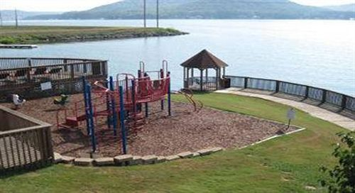 Wyndham Garden Lake Guntersville in Guntersville, AL