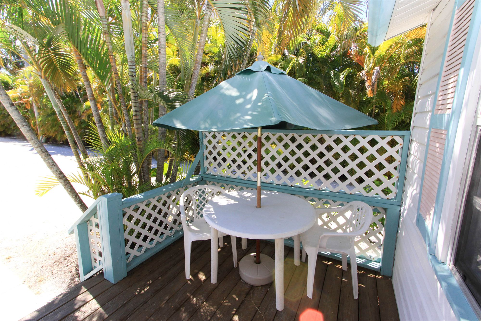 Gulf Breeze Cottages in Sanibel, FL