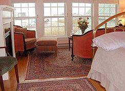 Lazyjack Inn on Dogwood Harbor in Tilghman Island, MD