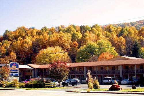 Best Western Mountainbrook Inn in Maggie Valley, NC