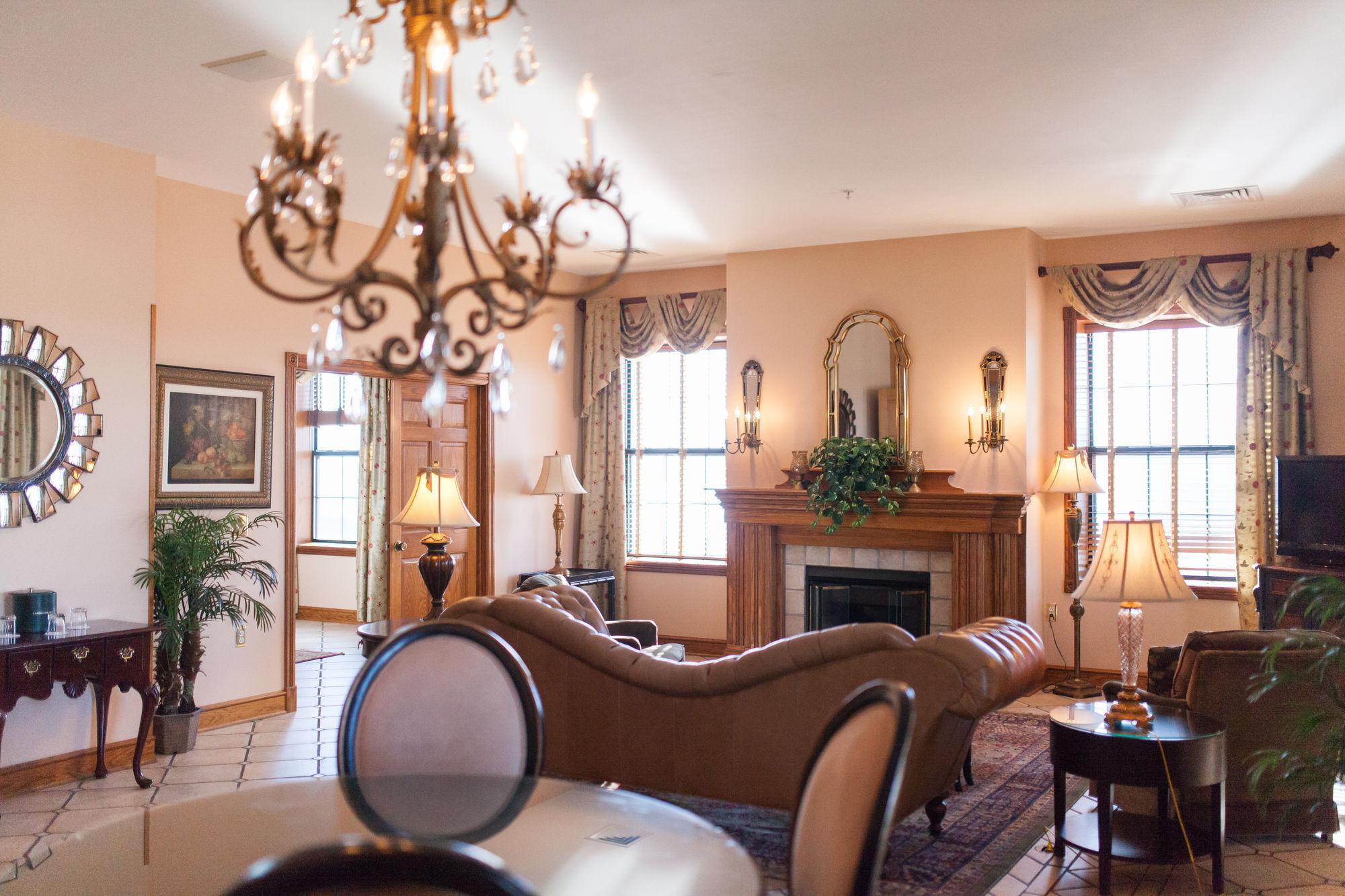Landmark Inn In Marquette, MI ...