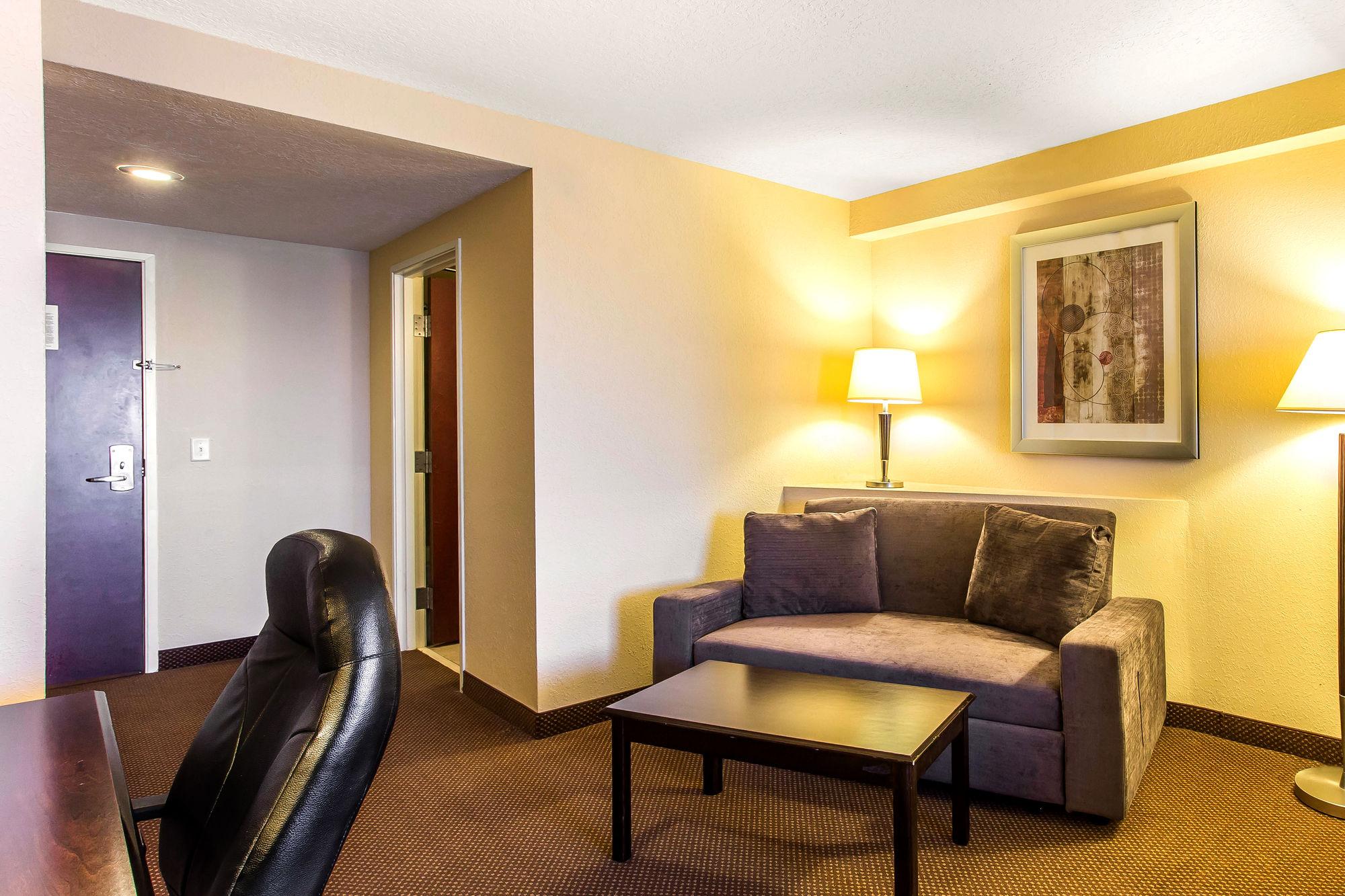 Comfort Suites Forsyth