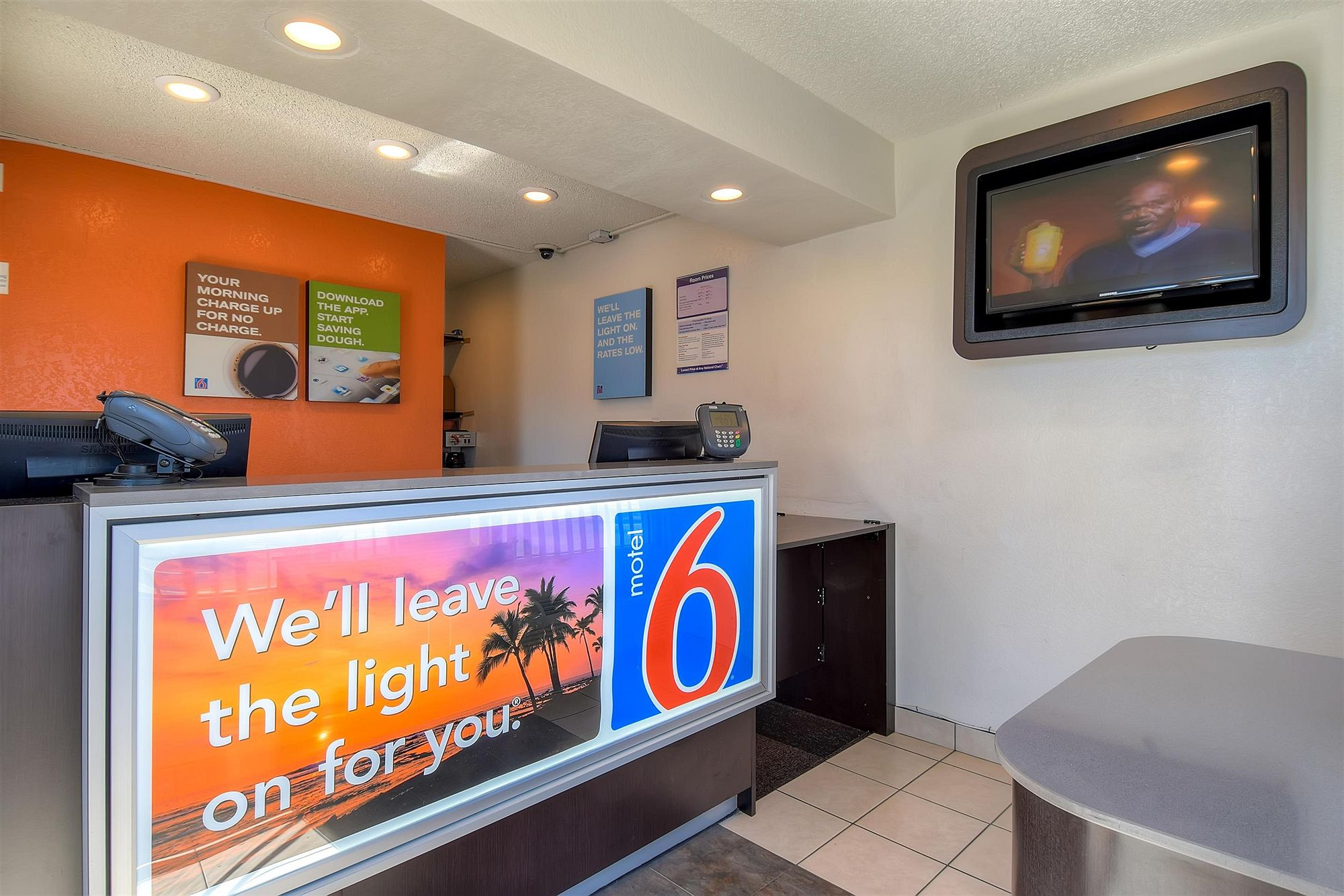 long comfort hotels poi angeles best near beach lgb airport inn in los comforter ca municipal
