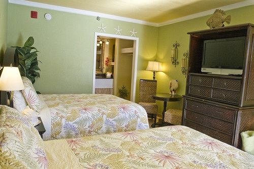 Sea And Breeze Hotel And Condo in Tybee Island, GA