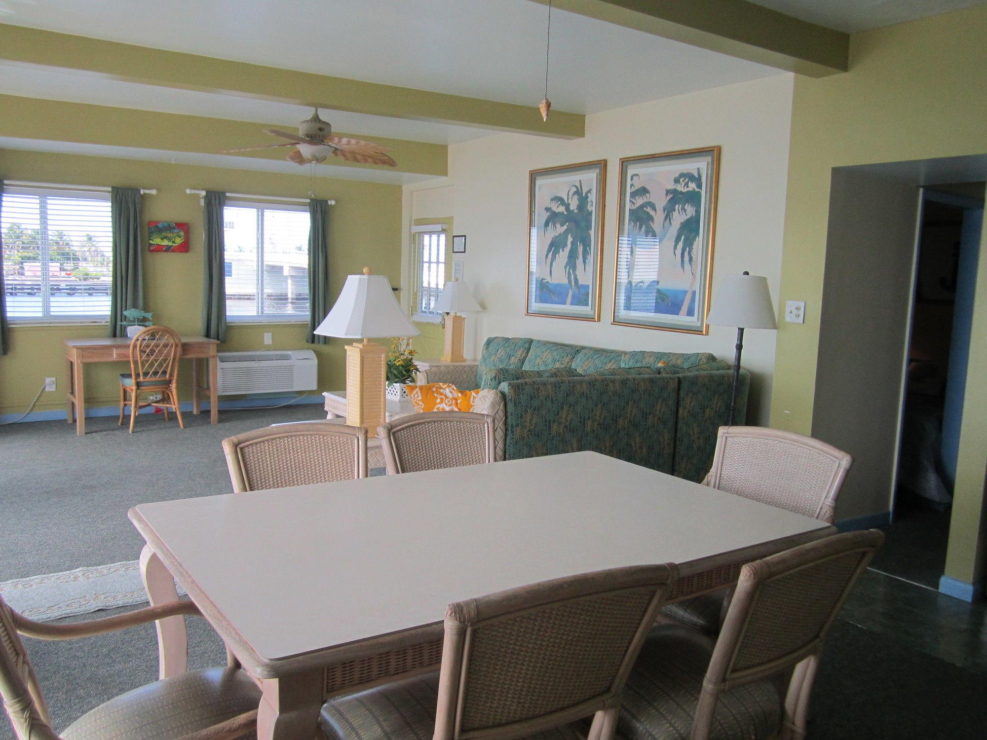 Bridgewater Inn in Bokeelia, FL