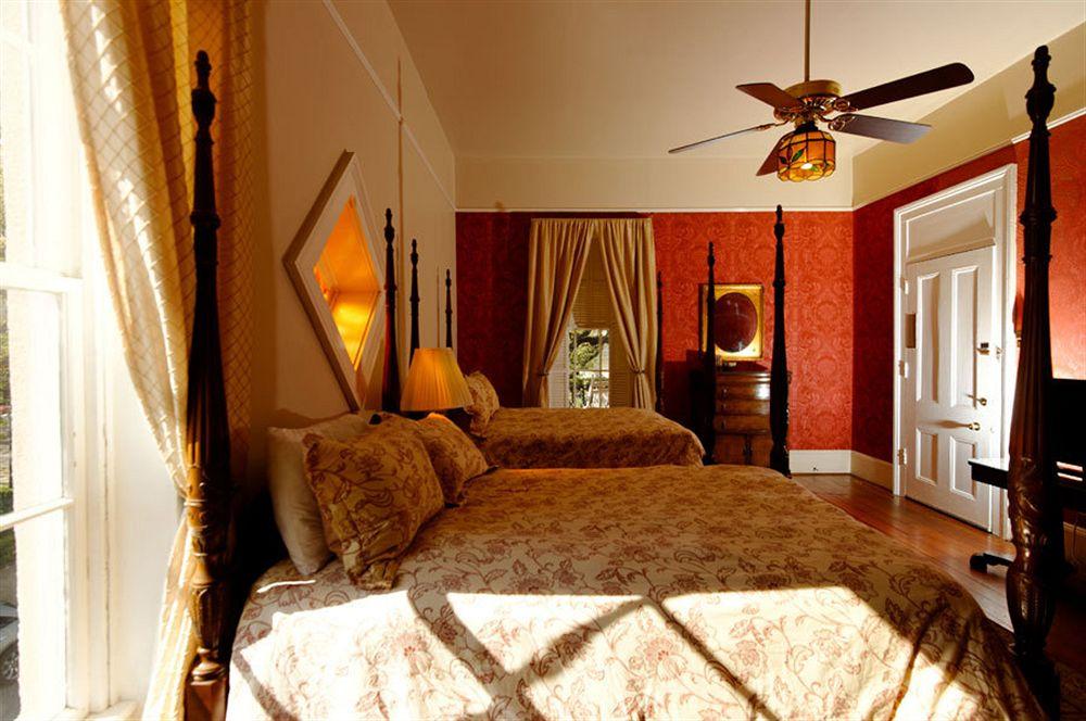 Malaga Inn in Mobile, AL