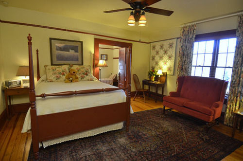 Beechwood Inn - Bed Breakfast and Wine Cellar