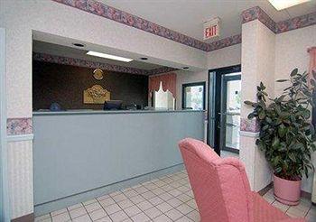 Econo Lodge Inn & Suites in Tuscaloosa, AL