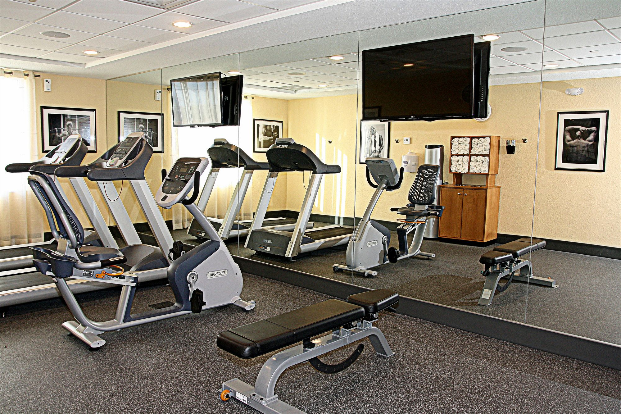 Holiday Inn Express & Suites Fort Lauderdale Airport South in Dania Beach, FL