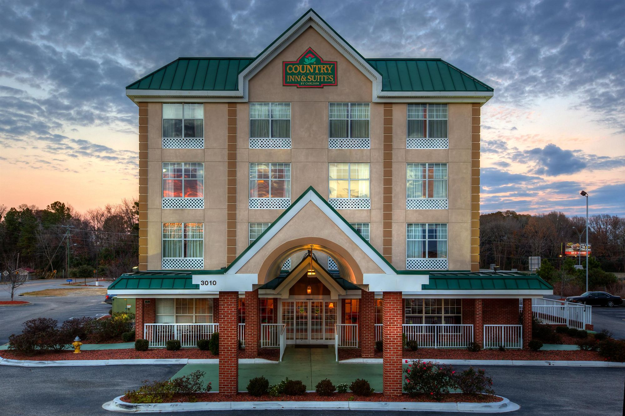 Country Inn & Suites in Lumberton, NC