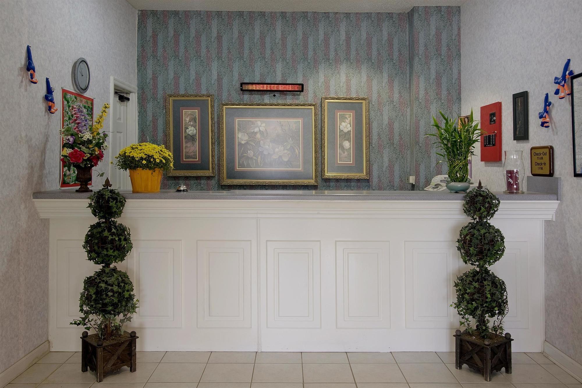 Americas Best Value Inn & Suites-Birmingham/Calera in Calera, AL