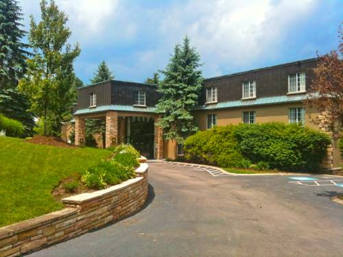 Meadowbrook Inn and Suites in Asheville, NC