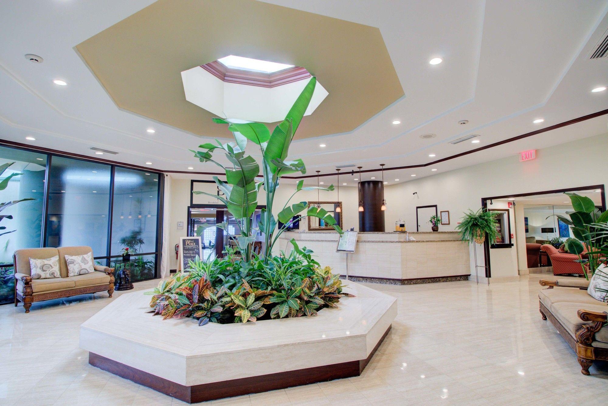 Boca Raton Plaza Hotel Suites in Boca Raton, FL
