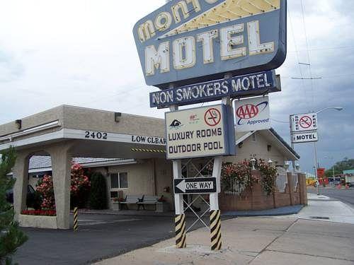 Monterey Non-Smoker Motel