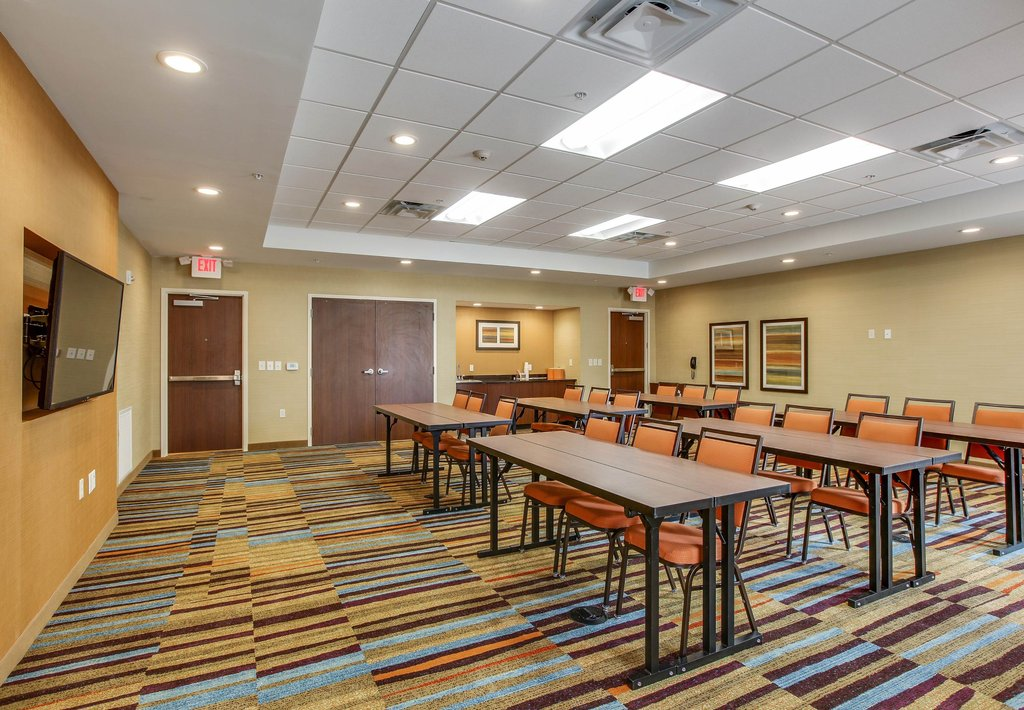 Fairfield Inn & Suites Columbia in Nashville, TN