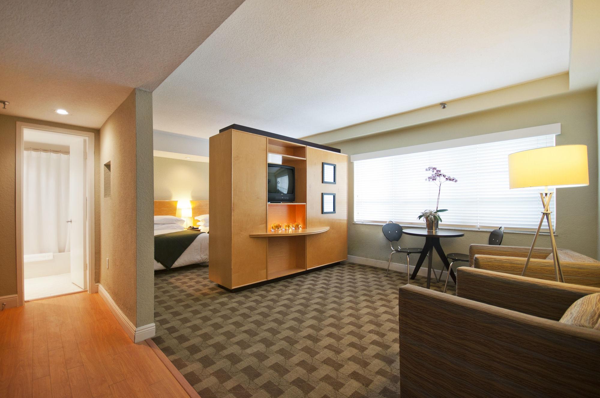 Crest Hotel Suites