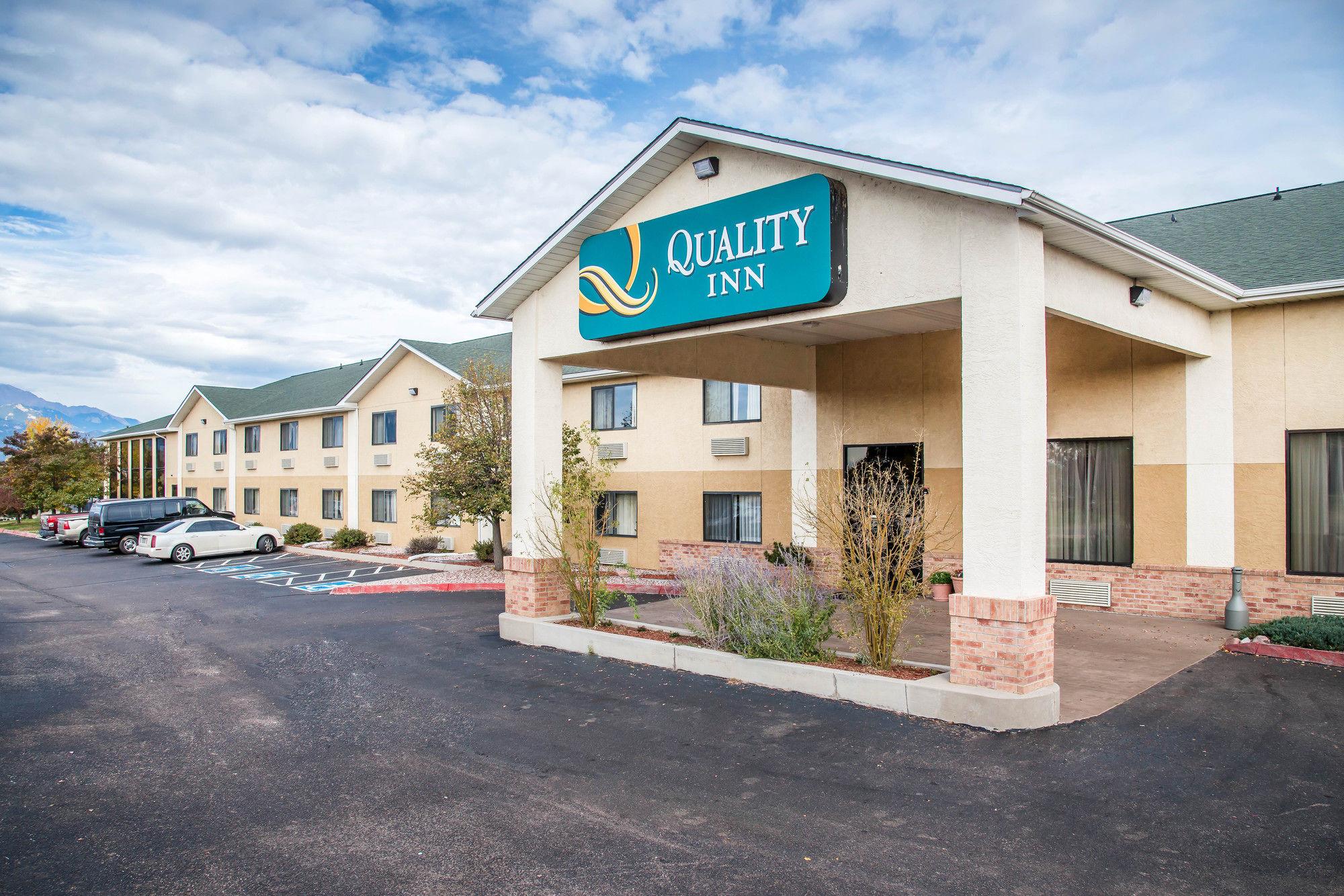 Hotel deals in Colorado Springs, CO: Discover the best hotels in Colorado Springs.