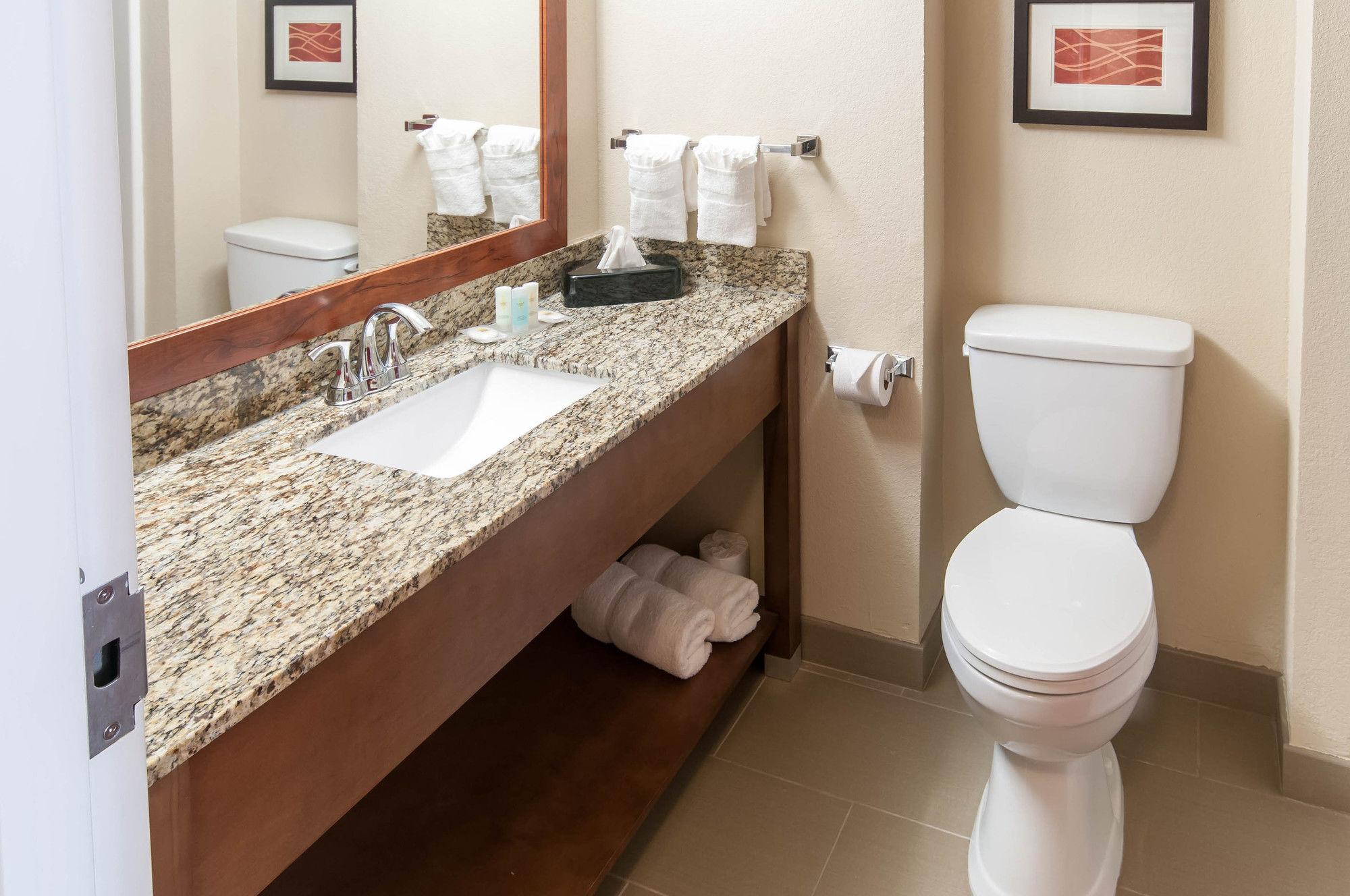 Comfort Inn & Suites La Grange in LaGrange, GA