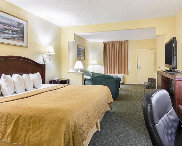 Quality Inn & Suites in Franklin, VA