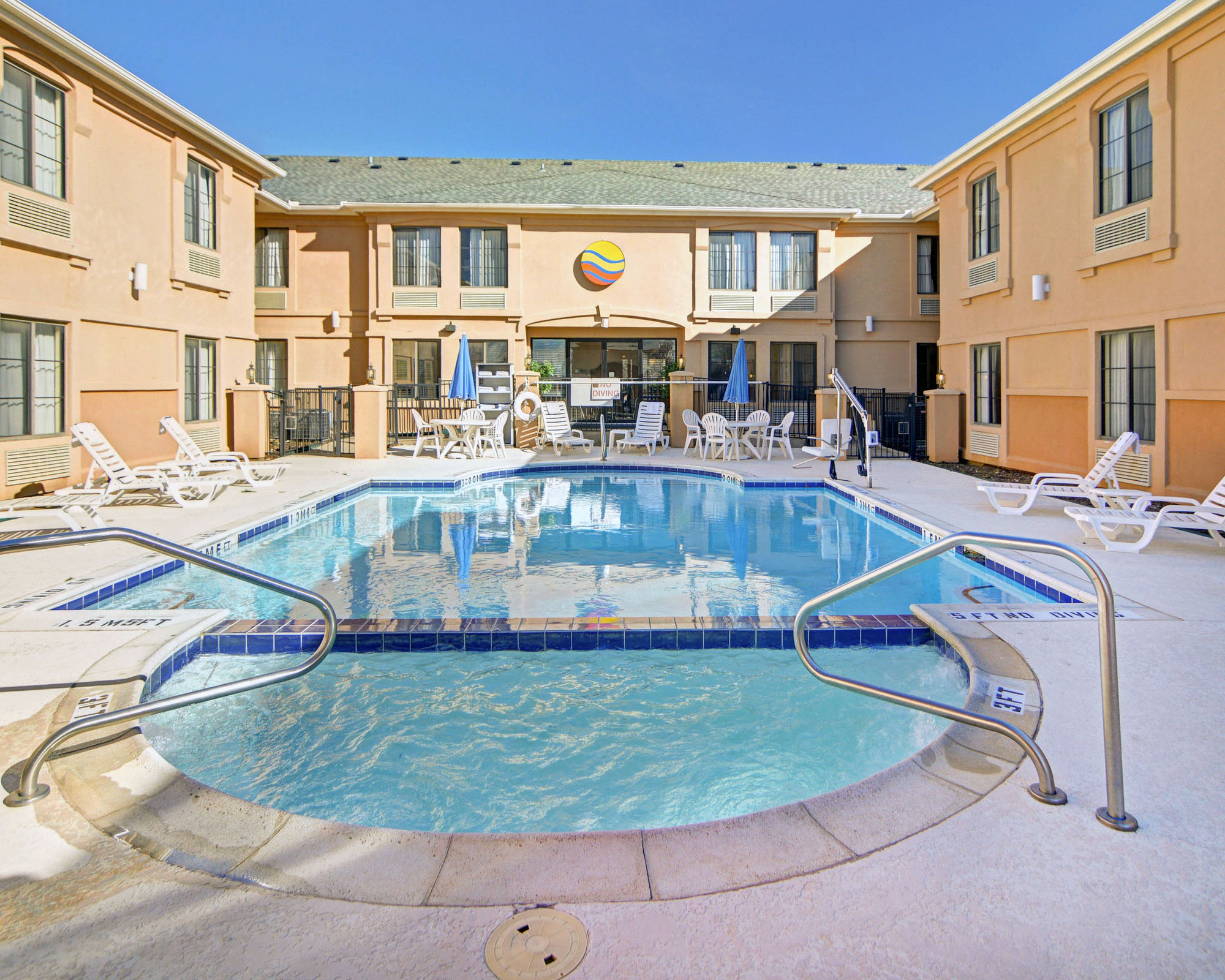 Discount Coupon For Comfort Inn Suites Dfw Airport South In Irving