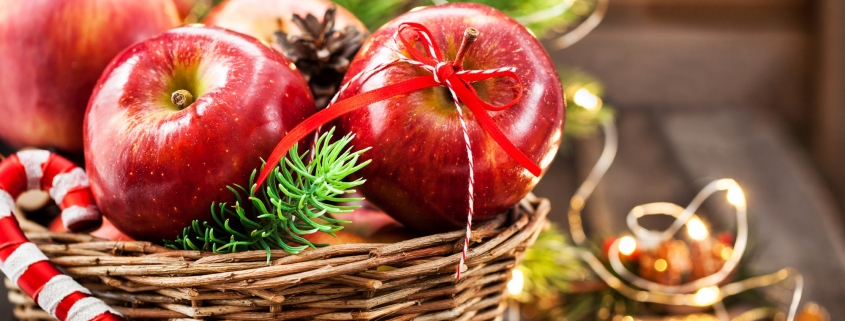 Christmas red apples