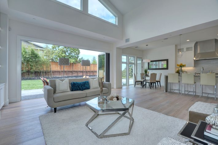 315 quinnhill rd los altos ca print 015 17 family room view to kitchen 3674x2453 300dpi