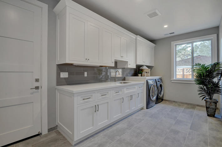 349 blue oak lane los altos ca large 039 17 laundry room view 1497x1000 72dpi