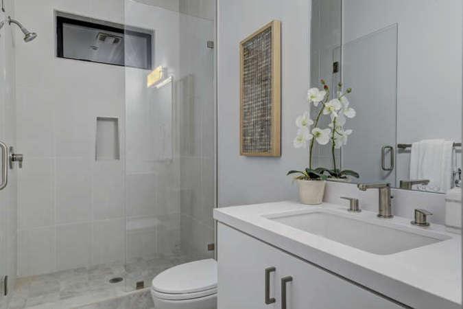 903 loyola dr los altos ca small 010 18 downstairs master bath 666x445 72dpi