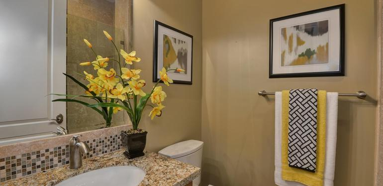 10860_Johnson_Ave_Cupertino_CA-large-019-Front_Hall_Bath_View-1500x992-72dpi.jpg