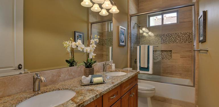 10860_Johnson_Ave_Cupertino_CA-large-022-Hall_Bath_One_View-1500x1000-72dpi.jpg
