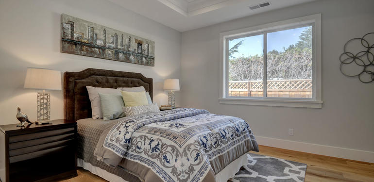 349_Blue_Oak_Lane_Los_Altos_CA-large-035-39-Hall_Bedroom_Three-1498x1000-72dpi.jpg