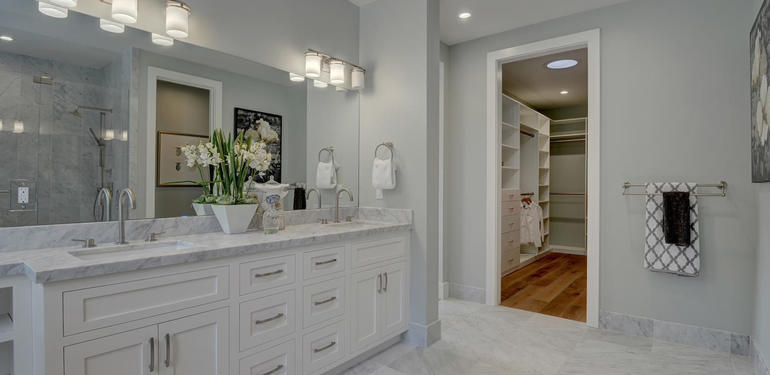 349_Blue_Oak_Lane_Los_Altos_CA-large-026-46-Master_Bath_to_Master_Closet-1498x1000-72dpi.jpg
